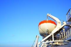 Canots de sauvetage sur un bateau de croisière Photographie stock libre de droits