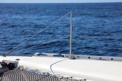 Canottaggio di navigazione in oceano, nave alla fine del mare su esperienza del lusso di immagine di alta qualità Fotografia Stock