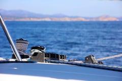 Canottaggio di navigazione in oceano, nave alla fine del mare su esperienza del lusso di immagine di alta qualità Fotografia Stock Libera da Diritti