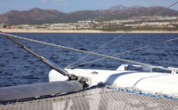 Canottaggio di navigazione in oceano, nave alla fine del mare su esperienza del lusso di immagine di alta qualità Immagine Stock Libera da Diritti
