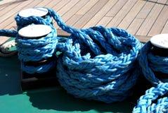 Canottaggio e corde marine immagini stock libere da diritti