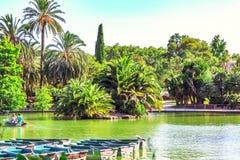 Canottaggio nel parco Parc de la Ciutadella, Barcellona, Catalogna, Spagna Immagine Stock Libera da Diritti
