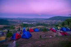 Canping на холме khaokho Таиланда Стоковые Изображения RF