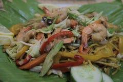 Cantón pancit de los mariscos pinoy de la receta de Panlasang fotos de archivo libres de regalías