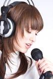 Cantante con el micrófono Fotos de archivo