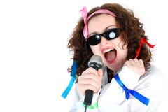 Cantante con il mic Fotografia Stock Libera da Diritti