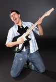 Cantante con la chitarra Fotografie Stock