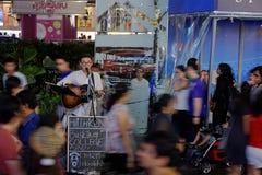 Cantante de la calle imagen de archivo