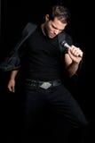 Cantante de sexo masculino atractivo imágenes de archivo libres de regalías
