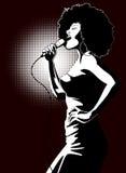Cantante di jazz su priorità bassa nera Fotografia Stock Libera da Diritti