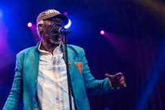 Cantante famoso e cantautore di reggae del sistema solare e di Alpha Blondy in tensione a Nisville Jazz Festival, l'11 agosto 201 Fotografie Stock Libere da Diritti