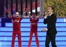Cantante ruso, actor del teatro y cine, el representante de Rusia en Junior Eurovision Mikhail Smirnov 2015 en el ceremon fotos de archivo libres de regalías
