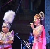 Cantante y concierto tailandés del estilo de los bailarines Imagen de archivo