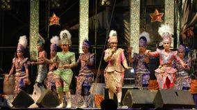 Cantante y concierto tailandés del estilo de los bailarines Fotos de archivo libres de regalías