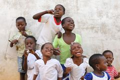 Cantantes felices jovenes en Accra, Ghana Foto de archivo libre de regalías