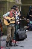 Cantantes y músicos en el festival de la franja, Edimburgo, Escocia Foto de archivo