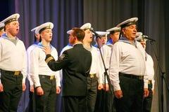 Cante dos soldados do russo, do coro e dos solistas da música e do conjunto da dança do distrito militar de Leninegrado Fotografia de Stock Royalty Free