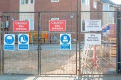 Canteiro de obras dos sinais de segurança do local Fotografia de Stock Royalty Free