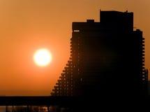 Canteiro de obras no nascer do sol Fotos de Stock Royalty Free