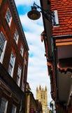 Canterbury domkyrkatorn och byggnader fotografering för bildbyråer