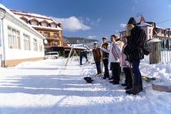 Canti natalizii cristiani, Ucraina, regione Transcarpathian, villaggio di Polyana, gennaio 2019 immagine stock libera da diritti