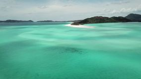 Cantidad aérea de la playa de Whitehaven Islas del Pentecostés en Australia almacen de video