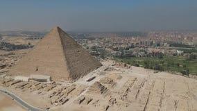 Cantidad del abejón de pirámides de Giza El Cairo, Egipto almacen de video