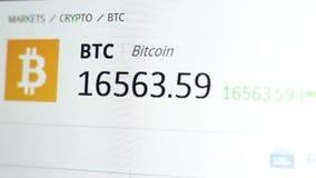 Cantidad del tipo de cambio de Bitcoin Seguimiento comercial de Cryptocurrency cerca para arriba metrajes