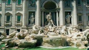 Cantidad estática de la fuente del Trevi en Roma Italia diseñada por Nicola Salvi 4k almacen de video