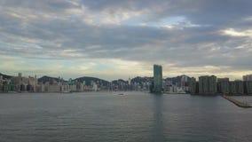 cantidad 4K de la ciudad de Hong Kong y de Kowloon del cielo metrajes