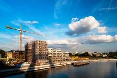 Cantiere sulla banca del fiume Fotografia Stock