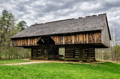 Cantilever barn, Tipton Place, Cades Cove. An old Cantilever barn located at the Tipton homestead in Cades Cove of the Great Smoky Mountain National Park Royalty Free Stock Images