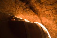 Cantina per vini con i barilotti Immagine Stock
