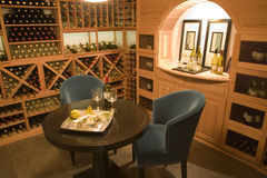 Cantina per vini per due. Fotografie Stock Libere da Diritti