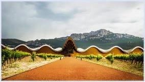 Cantina Ysios dei Bodegas, progettato dall'architetto Santiago Calatrava fotografie stock libere da diritti