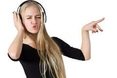 Canto adolescente de la muchacha aislado en el fondo blanco Imagen de archivo libre de regalías