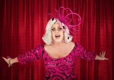 Canto biondo del drag queen Immagini Stock