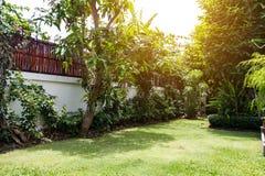 Canto bonito do jardim, da jardinagem da decoração e do la pequenos Imagem de Stock Royalty Free