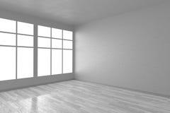 Canto da sala vazia branca com janelas e do assoalho branco Fotos de Stock Royalty Free