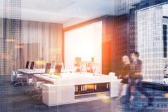 Canto de escritório do espaço aberto, concreto, borrão Fotografia de Stock
