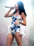 Canto de Katy Perry Foto de archivo libre de regalías