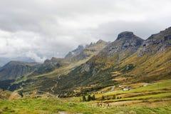 Canto de las montañas de las dolomías Imágenes de archivo libres de regalías