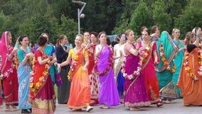 Canto e dança da lebre Krishnas vídeos de arquivo