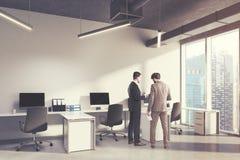 Canto interior do escritório do espaço aberto, pessoa Fotos de Stock