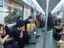 Canton, Cina: automobile di sottopassaggio e della stazione della metropolitana, paesaggio del passeggero Immagine Stock