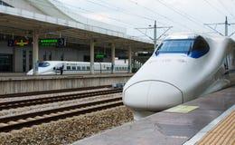 CANTON, CINA - 3 MAGGIO 2017: Treno ad alta velocità cinese della strada principale Fotografie Stock Libere da Diritti