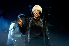 Cantor bonito italiano Malika Ayane no concerto foto de stock royalty free