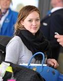 Cantor Hillary Duff da actriz em RELAXADO fotos de stock