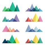 Cantos abstractos de las montañas en estilo geométrico Vector los elementos del diseño para caminar y el concepto al aire libre Fotos de archivo libres de regalías