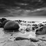 Cantos rodados de Moeraki, isla del sur, Nueva Zelanda Fotos de archivo